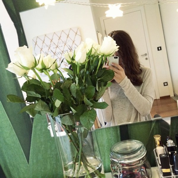 "Le 05/01: Grace Victoria Cox a posté une photo sur Instagram (""My last morning in KY""), Willow Shields a posté une photo sur Instagram et Anna-Laura Kummer en a posté deux sur Instagram aussi (""I loooove white flowers. Heute um 17 Uhr gibt's wieder ein Video"" et ""Kreativ sein mit @zarahzemlyak"")"