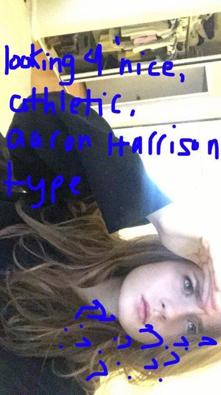 Il y a 17 heures: Grace Victoria Cox a posté une photo sur Twitter et Kaley Cuoco a posté une photo sur Instagram
