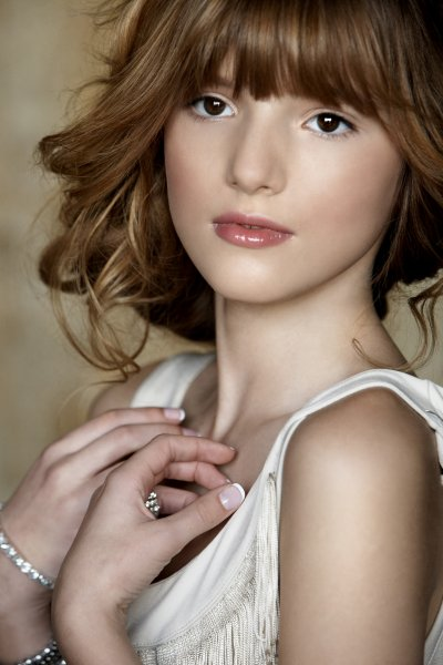 Bella Thone (CeCe Jones )