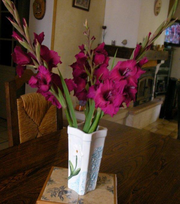 """Un petit bouquet pour mon amie """" La Brodeuse """" et son mari"""