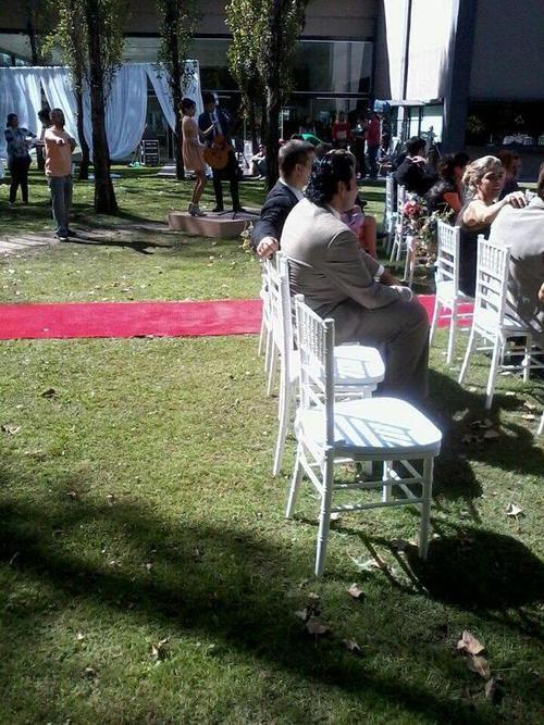 Photo où Violetta chante au mariage de Esmeralda et German..