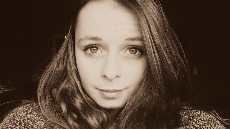 Les seuls beaux yeux, sont ceux qui vous regardent avec tendresse.