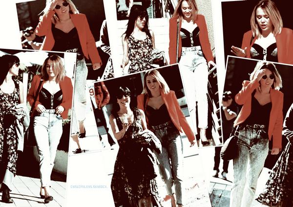 ▄16/02/12 Miley sa veste Rouge était au california Pizza Kitchen accompagnée de son amie Jen a Studio City. J'aime bien sa tenue sauf cette veste Rouge (ou orange :P) ... Bof . Top/Bof/Flop ?
