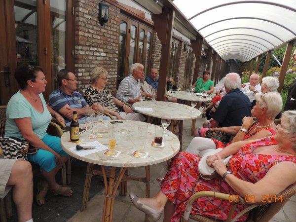 Les amicalistes et les cyclopés prêts pour une ballade à Roosteren - Limbourg Hollandais.