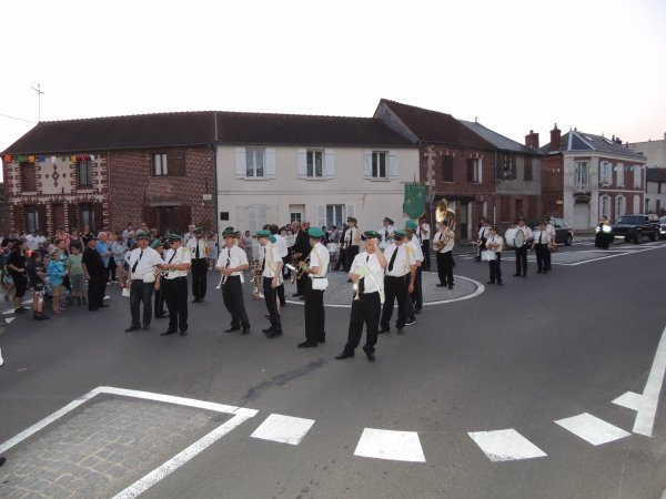 DEFILE A JOUY SOUS THELLE 2013