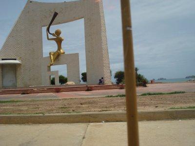 Monument du Millénaire a Dakar