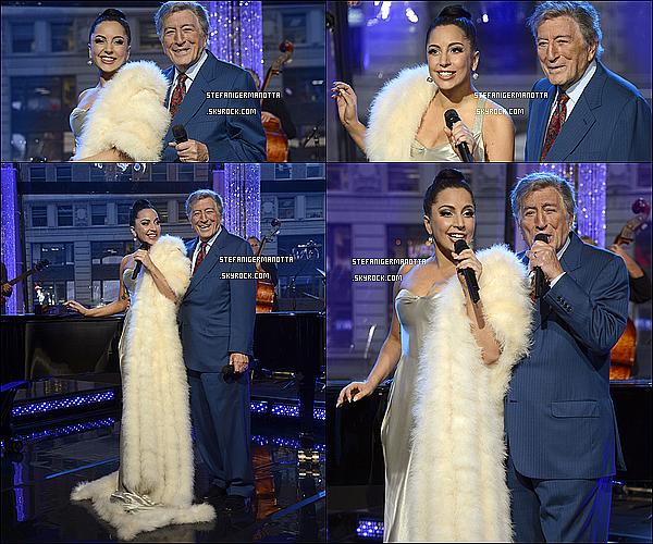 25/12/14 : La performance de Lady Gaga & Tony Bennett chez GMA a été diffusée dans la journée
