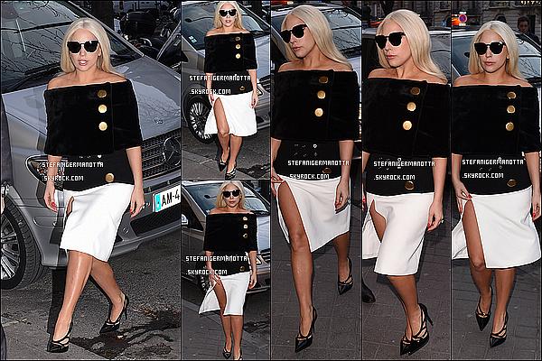 05/03/15 : L'élégante Lady Gaga a été photographiée se rendant chez la maison Balenciaga, FR.