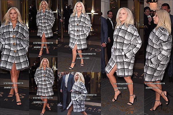06/03/15 : Lady Gaga a été aperçue quittant son hôtel situé dans notre capitale française, Paris.