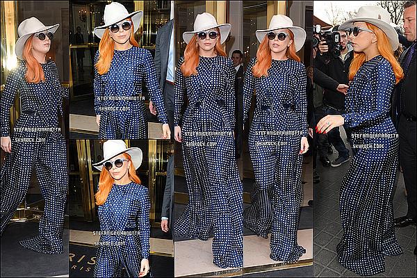 07/03/15 : Lady Gaga a été repérée quittant son hôtel parisien pour se rendre chez Balenciaga.