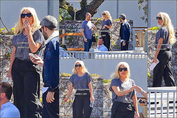 24/03/15 : L'américaine Lady Gaga s'est rendue au Broad Beach Club qui se situe dans Malibu.