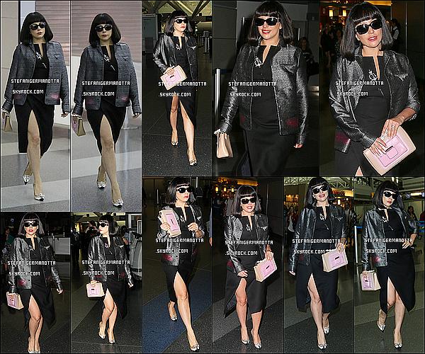 03/05/15 : Lady Gaga a été vue à l'aéroport LAX à Los Angeles pour se rendre à New York.
