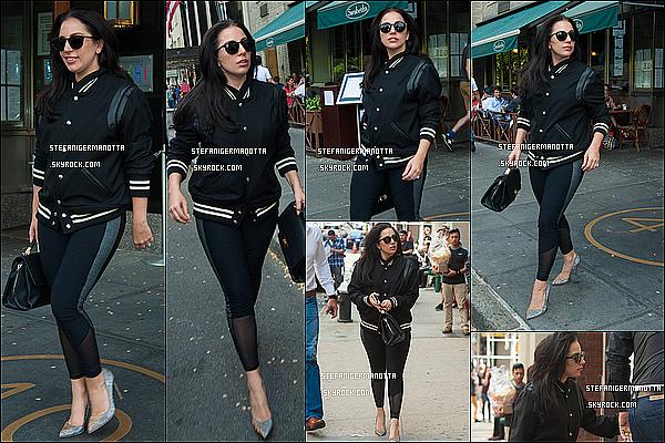 11/05/15 : Lady Gaga a commencé la journée en ayant été répérée dans les rues de New-York.