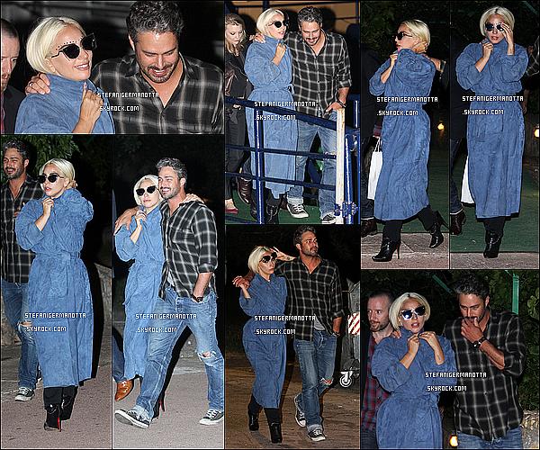 03/06/15 : Lady Gaga & Taylor Kinney ont été aperçus dans les rues de la ville de Belgrade.