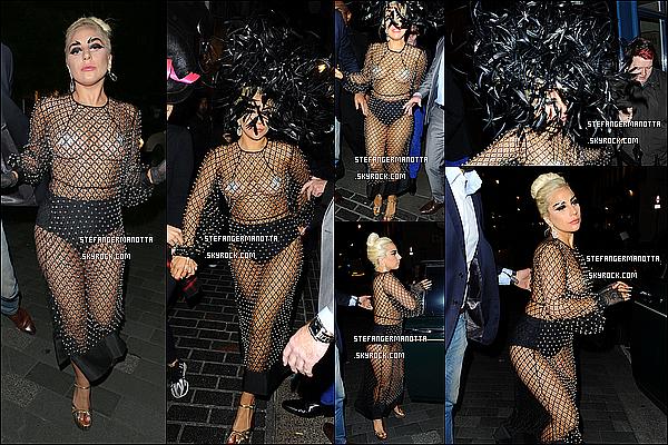 08/06/15 : Lady Gaga a été aperçue sortant de son hôtel pendant la matinée - à Londres, UK.
