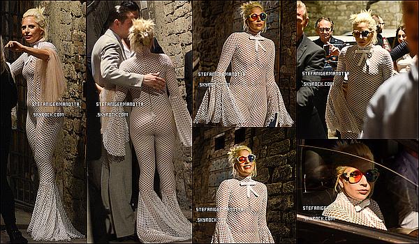 13/07/15 : Lady Gaga a été aperçue alors qu'elle était dans les rues de la ville de Perugia en Italie.