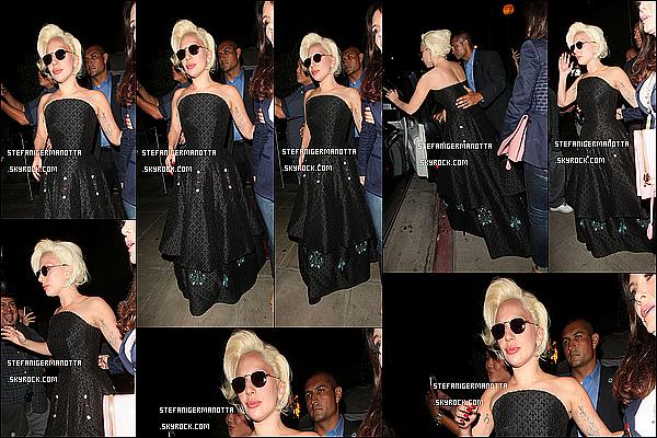 24/08/15 : Lady Gaga a été apperçue une nouvelle fois quittant le restaurant Pump à West-H.