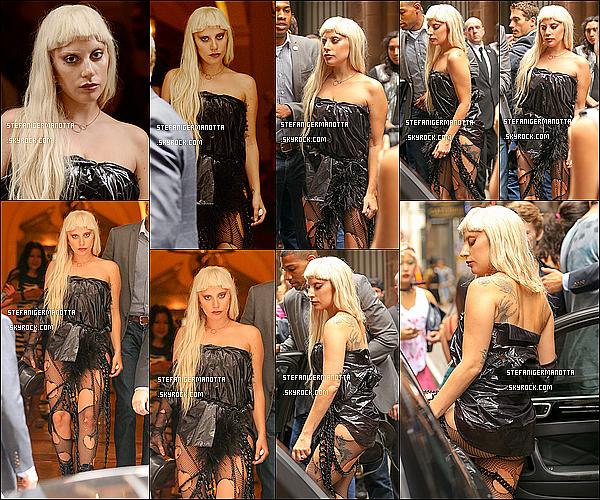 13/09/15 : Lady Gaga allant au défilé d'un autre de ses amis Nicola Formichetti à New York.
