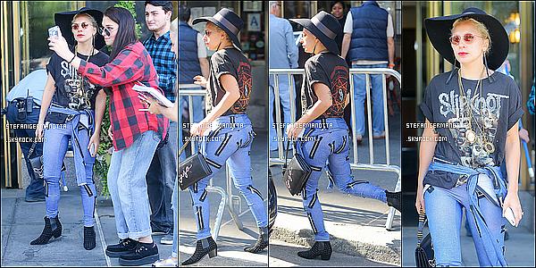 14/09/15 : Lady Gaga arrivant au défilé de son styliste actuel Brandon Maxwell à New York.