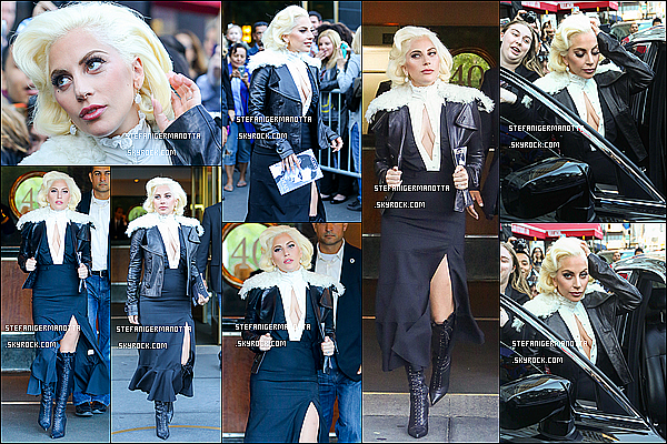 07/10/15 : Lady Gaga a été photographiée sortant de son appartement situé à New York City.