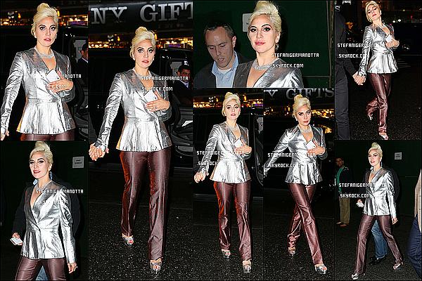 05/11/15 : Lady Gaga et un de ses amis, Bobby Campbell ont été vus dans les rues de New York.