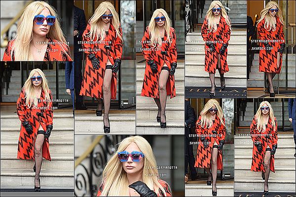 25/11/15 : Lady Gaga a été vue de nouveau sortant d'un studio d'enregistrement à Londres, UK.