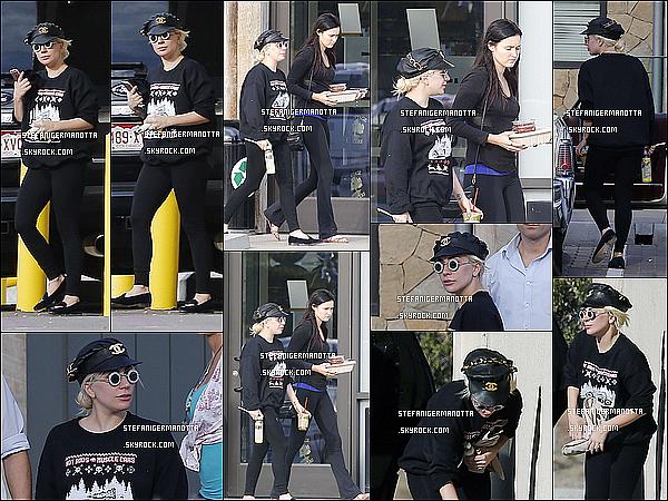 03/01/16 : Lady Gaga a été aperçue lorsqu'elle quittait son cours habituel de Yoga dans Malibu.