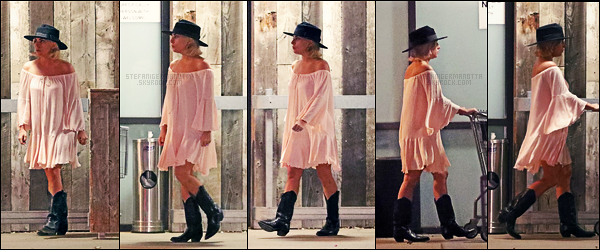 07/12/17 - La chanteuse Lady Gaga s'est rendue dans une petite épicerie située dans Malibu, en Californie. Encore une fois, la tenue choisie par Gaga est mignonne, j'aime bien même si les chaussures aurait pu être différentes. Un top & vous?