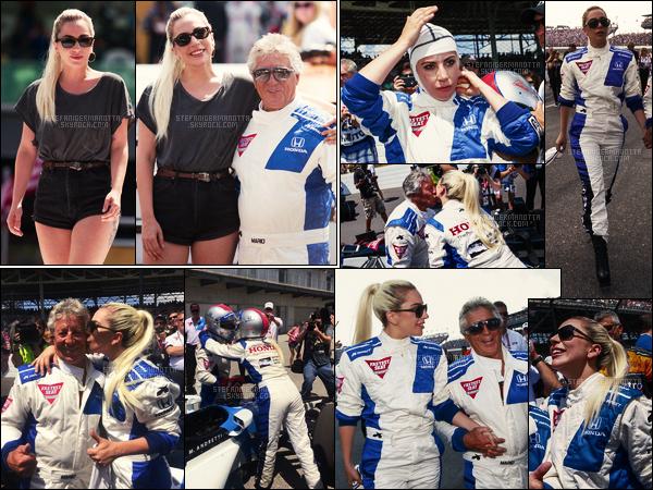 29/05/16 - Lady Gaga était à la course automobile « Indy 500 » qui s'est déroulée à Indianapolis, IN.  La popstar a pris place dans une voiture aux côtés de Mario Andretti en nous prouvant une fois de plus qu'elle n'a pas froid aux yeux.
