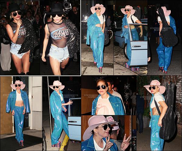20/10/16 - Dans la journée, Lady Gaga a été vue allant encore à un studio d'enregistrement à New York.  Toujours le même jour, Gaga a été vue arrivant au bar  Bitter End pour sa tournée des bars puis de nouveau dans les rues de New York