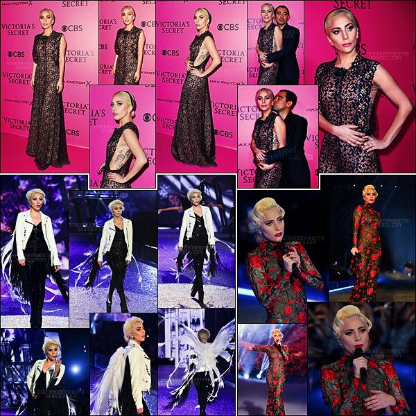 30/11/16 - Lady Gaga s'est rendue au défilé annuel de la marque Victoria's Secret, toujours dans Paris.  Notre Gaga a interprété Million Reasons puis une compilation de John Wayne et A-yo. Sa robe de tapis rouge était sublime, gros top !