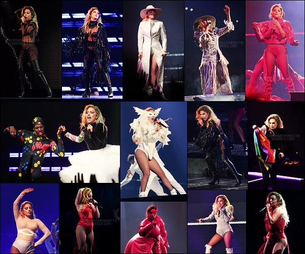 01/08/17 - Notre Lady Gaga a performé pour son premier concert du Joanne World Tour dans Vancouver Gaga nous propose donc des tenues plutôt originales et lui ressemblant. Mais es ce vraiment dans l'esprit de l'album qui se disait simple ?