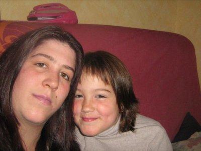 ma grande soeure et ma cherie <3 je vous aime <3