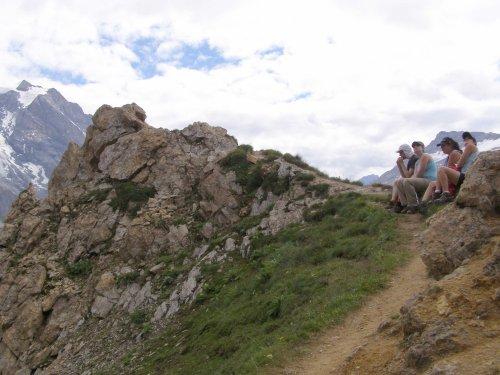 Pause énergie au Col Rosset.