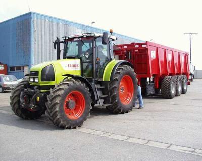 tracteur class avec remorque monocoque 3 ssieu