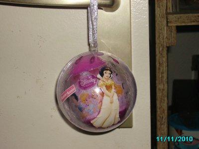 pour lilou!! boule stransparente ! princesse blanche-neige !(3)