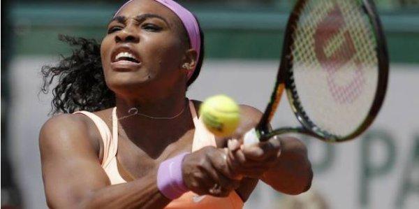 Serena Williams au bord de la ménopause se qualifie pour la finale à RG