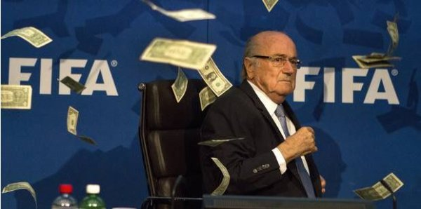 Scandale à la FIFA: l'étau se resserre autour de Sepp Blatter (et de Michel Platini)