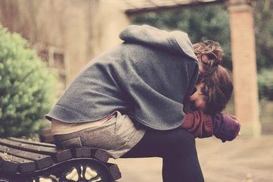 """Phrase la plus belle : """"Mais Je t'aime.."""" Phrase la plus douloureuse : """"Je t'aime mais..."""""""
