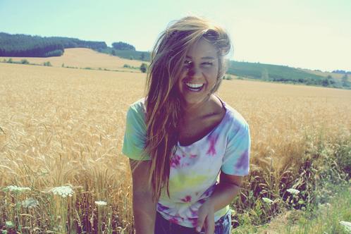 Et même si j'avais un million de raisons de partir , je choisirai toujours la seul qui me dirait de rester .