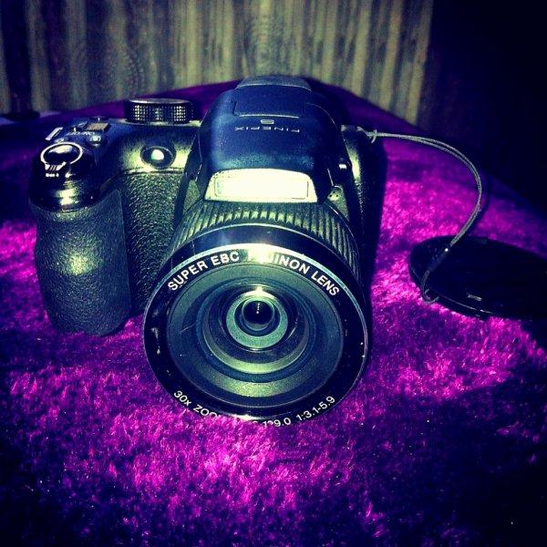 A VENDRE - Appareil photo compact Fujifilm FINEPIX S4000