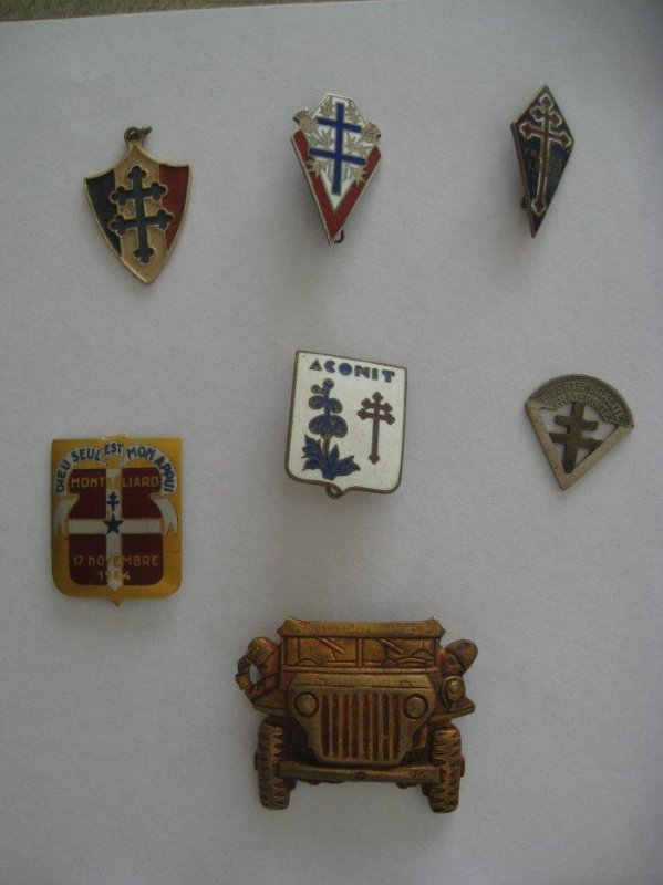 lot d'insignes résistance - F.F.I. - broche Jeep - Fan de Jeep
