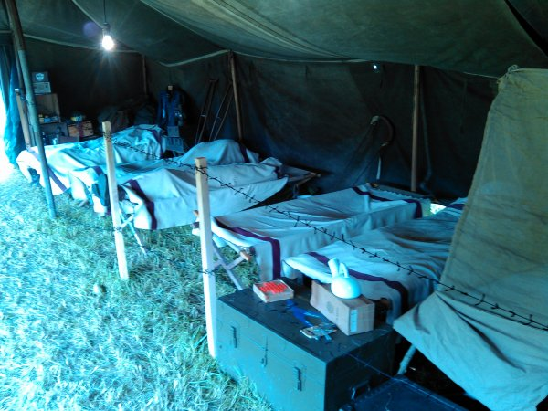 infirmerie de campagne camp ARIZONA juin 2014