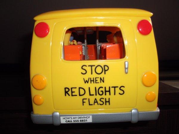 Sringfield  Elementary School Bus Wos (de playmates) . Je l'ai eu sur ebay pour 37 euros