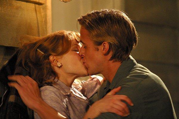 """""""Le plus bel amour est celui qui éveil l'âme, et nous fait nous surpasser. Celui qui enflamme notre c½ur et apaise nos esprit. C'est ce que tu m'as apporté."""""""
