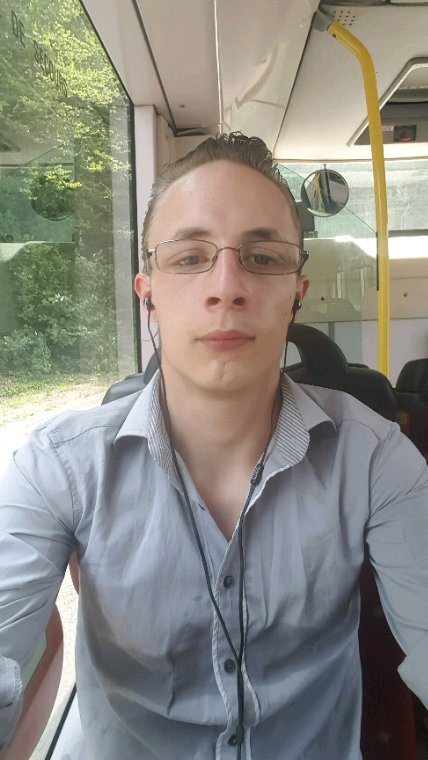 En mode poser dans le bus avec 39 degrés dedans