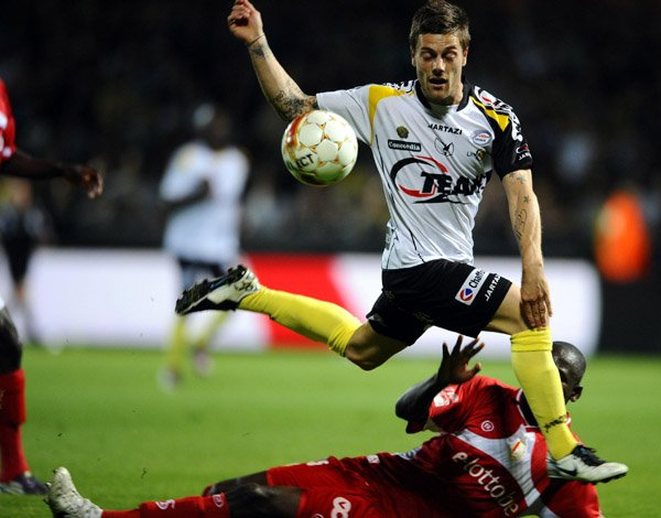 Jupiler Pro League : Play-off 1 : 8ème Journée : 11 Mai 2011 : SC Lokeren - Standard de Liège : 0 - 1