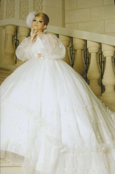 How to choose most beautiful christmas wedding dresses!