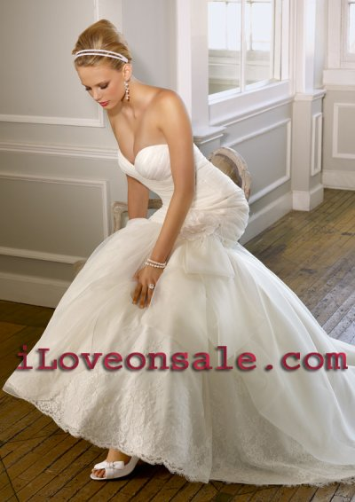 How to select a Wedding Dress Which Suits You