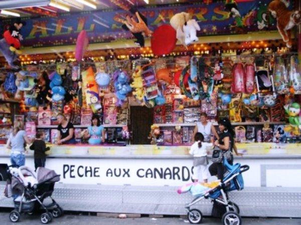 malheureusement la foire de de pâque et d aout sont supprimée par le bourgmestre de Charleroi as vie